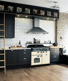 Kitchen Decor, Kitchen Design, Kitchen Ideas, Swedish Farmhouse, Farmhouse Ideas, Kitchen Backsplash, Kitchen Cabinets, Cottage Renovation, Home Decor Inspiration