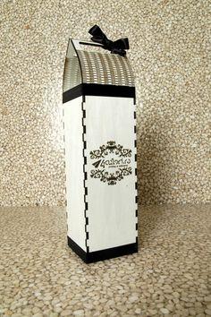Cutie pentru sticla de vin - taiere si gravura laser  www.4culori.ro