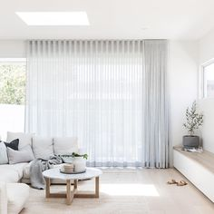 Photography // the main living from Kirkwood project - soft sheers. Home Living Room, Living Area, Living Room Designs, Living Room Decor, Living Spaces, Living Room Blinds, Home Interior, Interior Design, Interior Colors
