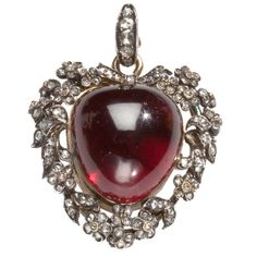 Brilliant Victorian Locket of Garnet, Diamonds and Gold  England  c.1870