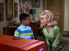 Retrospace: Mini Skirt Monday #193: I Dream of Jeannie - Season 5