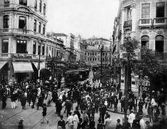 Foto da Rua da Assembléia, no Centro do Rio, feita por Augusto Malta