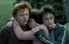 """Until Harry """"Third Wheel"""" Potter ruins it.   This Is What It's Like To Watch """"Harry Potter And The Prisoner Of Azkaban"""" For The First Time"""