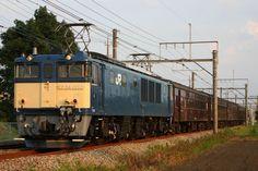 2017年9月26日、レトロ中央線とレトロ大糸線で使用された旧型客車の返却回送が、長野→松本→甲府→八王子→大宮→高崎間で行われました。牽引機はEF64-1053でした。