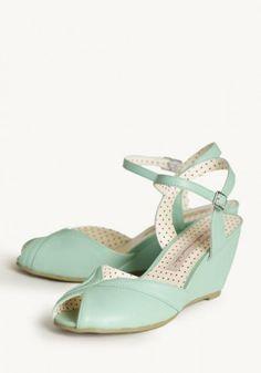 Mint Shoes for Bridesmaids #bridesmaiddresses #mint #wedding http://www.thebridelink.com/vendor/ruche/photos