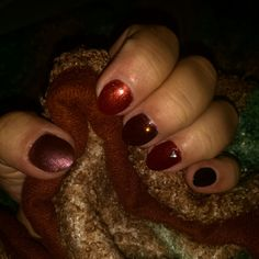 Amazing autumn nails with fall colours with diamonds Red bronze black brown