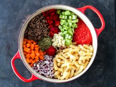 ONE POT-PASTA MED KJØTTSAUS | TRINES MATBLOGG One Pot Pasta, Cobb Salad, Acai Bowl, Breakfast, Recipes, Delicate, Food, Acai Berry Bowl, Morning Coffee