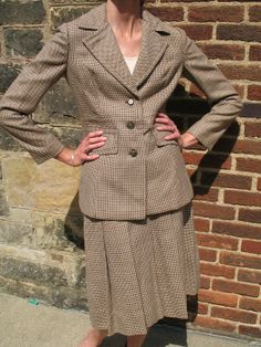 60s Houndstooth Ladies Chocolate and Tan Wool Vintage Davidow London Jacket and Skirt Suit Set