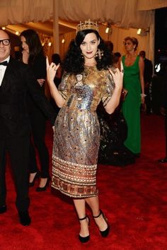 Katy Perry chose a Dolce & Gabbana beaded dress and crown from the autumn/winter 2013-14 collection, accessorised with David Yurman jewellery