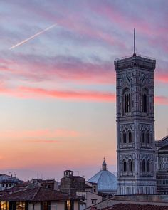 Giotto's Bell Tower at sunset (photo credit: @allanmac via Instagram).