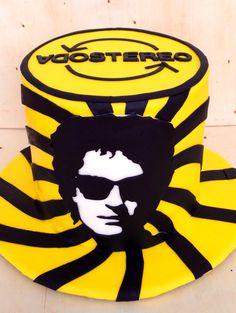 Soda Stereo, Cupcakes, Papi, Hard Rock, Superhero Logos, Music, Ideas, Vanilla, Pastries