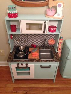 Ikea Duktig with a serious upgrade! Ikea Childrens Kitchen, Ikea Play Kitchen, Play Kitchens, Toy Kitchen, Kitchen Hacks, Ikea Duktig, Mint Kitchen, Cottage Kitchen Cabinets, Ikea Kids