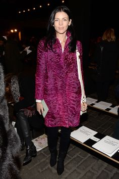 Liberty Ross Fur Coat - Liberty Ross looked ultra luxe at the Rag & Bone fashion show in a Christian Dior astrakhan coat in a lovely berry hue. New York Fashion, Fashion News, Fashion Show, Fashion Trends, Astrakhan Coat, Liberty Ross, Looks Street Style, Front Row, Dress To Impress