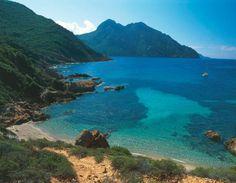 Le Cap Senino, dans le golfe de Girolata (Corse) (© V. Giannella/Getty)