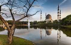 Visit the Selangor City which is one of the most ideal family and friend group attractions of Malaysia wanting privacy and a taste of wilderness.  #Travel #Malaysia