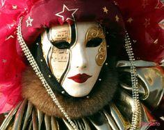 Baile de máscara - VenezO famoso Baile de Máscaras foi introduzido no séc. XV pelo papa, Paulo II