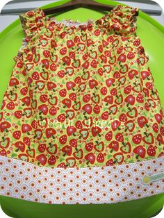 While sewing yesterday, I had to give that Lucy's Little Flower Dress  and shirring one more try!   Guess What?   It was STILL easy to do!...