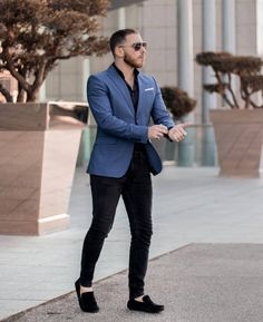 Here are some lovely and classy men fashion suits that will give you an awesome fitting for your outing, work and any other event. Trendy Mens Fashion, Indian Men Fashion, Stylish Mens Outfits, Blazer Outfits Men, Mens Fashion Blazer, Suit Fashion, Formal Men Outfit, Designer Suits For Men, Business Casual Men