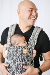 """The moments go by fast but the memories last forever. Our """"Forever"""" Explore has a bold repeating pattern of interwoven lines in chic monochrome colors. The pattern continues across the inner shell of the carrier, straps, and waist belt. Neck Support Pillow, Support Pillows, Best Baby Carrier, Monochrome Color, Military Discounts, Head And Neck, Baby Grows, Baby Boutique, Cloth Diapers"""