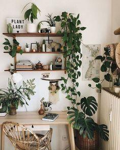 Decoración jungla, la tendencia que arrasa en redes sociales Stylish Home Decor, Cheap Home Decor, Diy Home Decor, Easy House Plants, House Plants Decor, Bohemian Room, Décor Boho, Bohemian Living, Bohemian Decor