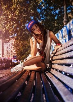 Fashion Photography Poses Portraits Senior Pics 34 New Ideas – Fashion Models Fashion Photography Poses, Urban Photography, Photography Women, Lifestyle Photography, Street Photography, Portrait Photography, Photography Ideas, Digital Photography, Photography Books