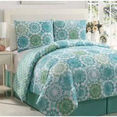 Isadora Comforter Set