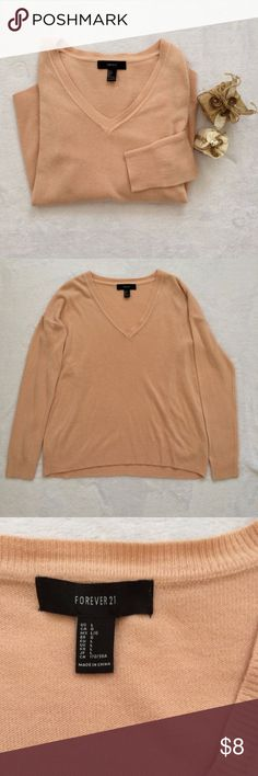 Forever 21 Sweater Adorable and cozy v-neck sweater from Forever 21 in great condition! Forever 21 Sweaters