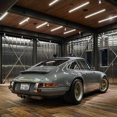 Automotive Art .. #porschemoment . . . .. . . . . #porsche #carrera #singervehicledesign #rennsport #turbo #porschecarrera #porsche911#automotive #automobile #carsofinstagram #porscheclassic #caroftheday #luftgekühlt #porschesociety #porscheclub #classicporsche #luxurylifestyle #porschefans #lifestyle #car #flatsix #aircooled #porscheturbo #911 #classiccar #drivetastefully #getoutanddrive #classic #vintage ➡ Credit: © zmillerphotog