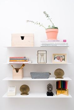 Ranger mit Marie Kondo: das KonMari-Lager - 1001 Up Your Life Marie Kondo, Declutter Your Home, Weekend Projects, Tidy Up, Home Organization, Organizing, Getting Organized, Interior Inspiration, Interior And Exterior