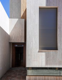 Gallery of House R+ / OOIIO Arquitectura - 7, Travertine, Stone