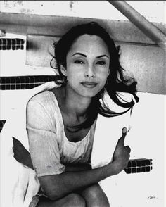 """A pinner posted: """"Sade-An amazing talent, flawless beauty and she has this air about her that says.""""you ain't about to worry me"""" Quiet Storm, Easy Listening, Classic Beauty, Timeless Beauty, Britney Spears, Beautiful Black Women, Beautiful People, Beautiful Voice, Beautiful Body"""