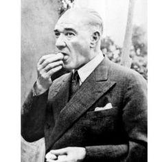 ✿ ❤ Perihan ❤ ✿ Atatürk'ün çok az bilinen fotoğrafları... Turkish Army, The Valiant, The Turk, Sari, Great Leaders, Historical Pictures, The Republic, Old Photos, My Idol