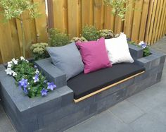36 Easy And Cheap Backyard Seating Ideas ⋆… - Easy Diy Garden Projects Backyard Seating, Garden Seating, Outdoor Seating, Backyard Patio, Backyard Landscaping, Back Gardens, Outdoor Gardens, Patio Design, Garden Design