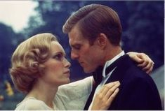 Historical fashion pictures - the great gatsby - mia farrow and robert redford.jpg