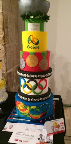 Tarta celebración Olimpiadas Rio 2016. Medalla de plata y tercer premio en BCN&Cakes. DFondant Cakes