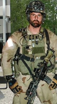 Untold history of Delta Force (1st SFOD-D) - MMA Forum Sexy Military Men, Military Police, Military Weapons, Military Art, Special Forces Gear, Military Special Forces, Us Army Delta Force, Special Operations Command, Special Forces