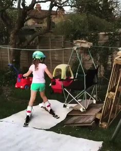Building a miniature backyard ski lift and ski slope Funny Babies, Funny Kids, The Funny, Funny Video Memes, Videos Funny, Humor Videos, Funny Jokes And Riddles, Kids Videos, Funny Photos