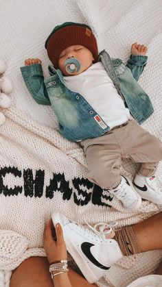 Boys Summer Outfits, Toddler Boy Outfits, Family Outfits, Girl Outfits, Stylish Baby, Trendy Baby, Baby Boy Newborn, Baby Kids, Baby Swag