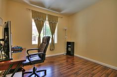 Office http://www.ramamehra.com/2014/06/20/beautiful-move-in-ready-townhouse-available/