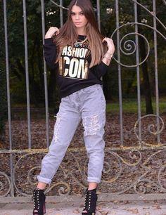 Levi's vintage personalizzati, handmade, made in Italy. Modelli disponibili su www.gisarlifestyle.com, richieste a gisarlifestyle@gmail.com! Ci trovate anche su Depop come 'gisar' e Instagram come 'gisar_lifestyle'. Tutte le immagini che trovate non sono prese dal web ma esclusivamente nostre creazioni! [In foto: Jacqueline Ingegnoso e il suo blog www.cleversmoothie.com] #gisar #gisarlifestyle #levis #lee #wrangler #vintage #jeans #ripped #boyfriend #baggy #over #highwaist #denim #shoponline