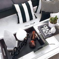 Black and white coffe table  decor