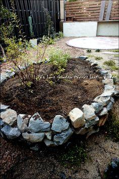 完成直後の栗石花壇
