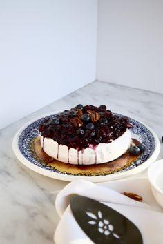 Brie fondant aux bleuets, pacanes & érable Tapas, Baileys, Pound Cake, Mousse, Waffles, Cheesecake, Muffin, Healthy Recipes, Healthy Food