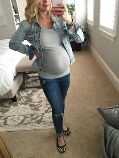 Winter fashion | grey tank, ripped jeans and jean jacket with leopard flats, super cute, casual pregnancy outfit - #maternitystyle #dressingthebump