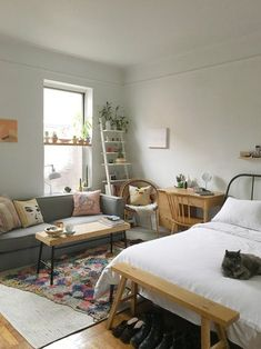 Here are some pictures about home decor apartment Chic, hopefully they will inspire you all. home decor apartment Chic Related Search : home. Small Apartment Bedrooms, Small Apartment Design, Apartment Chic, Apartment Interior Design, Apartment Therapy, Apartment Ideas, Tiny Studio Apartments, Studio Apartment Layout, Studio Apartment Decorating