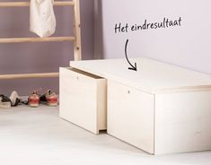 Bankje met lades | Een eigen gemaakte DIY | Karwei Bench With Storage, Storage Boxes, Storage Shelves, Diy Interior, Home Interior Design, Entry Closet, Deco Kids, Flat Ideas, Girl Bedroom Designs