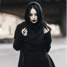 Riya Albert likes, 150 comments - Hooded scarfs - genius invention! All stuff on me from 🖤 [Ring included! Black Dagger Brotherhood, Goth Beauty, Dark Beauty, Darya Goncharova, Gothic Models, Hooded Scarf, Metal Girl, Digital Art Girl, Gothic Outfits