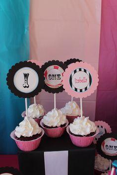 "Photo 3 of 23: Circus/Carnival / Birthday ""Izabellas 1st Birthday"" | Catch My Party"