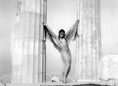 Nelly's [Elli Souyioultzoglou-Seraidari] ~Nikolska, a hungarian dancer at the Parthenon, Acropolis Athens, Greece, Old Photos, Vintage Photos, Famous Photos, Vintage Posters, Benaki Museum, Greek Culture, Greek Art, Athens Greece, Nude Photography