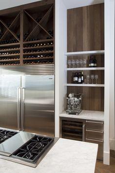 Rustic Kitchen, New Kitchen, Kitchen Decor, Interior Design Kitchen, Home Design, Mini Chalet, Built In Storage, Home Kitchens, Kitchen Remodel